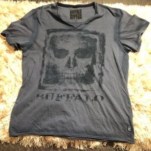 EUC Men's Buffalo by David Bitton Tee